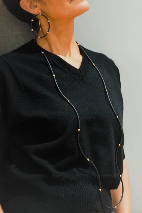 MIRIAM NORI – Collana caucciù nero